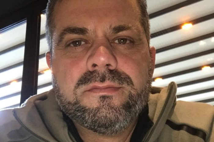 """Arben Derhemi i nënshtrohet një operacioni: """"Falë stafit jam mirë"""""""