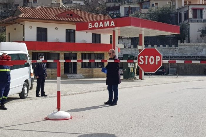 Izolohet një qytet i tërë në Shqipëri! Askush nuk mund të hyjë nëse nuk është banor