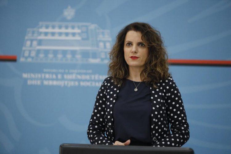 Shefja e Epidemiologjisë në ISHP: Piku parashikohet në mes të prillit, pa u ulur kurba s'do të dalim nga izolimi