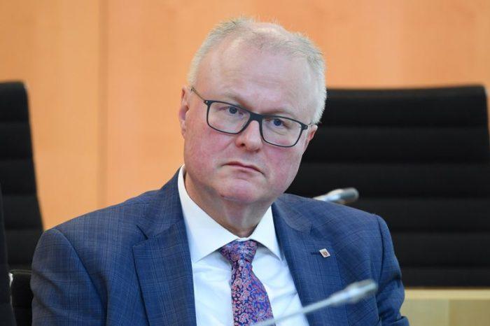S'përballoi dot krizën e Covid-19, Ministri i Financave në Gjermani vetëvritet duke i dalë para një treni