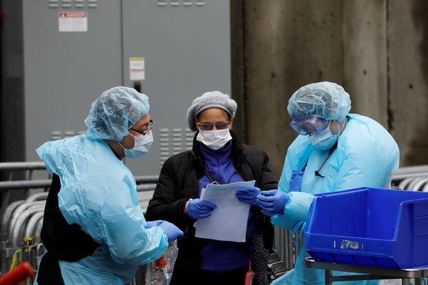 Spitalet në New York ndryshojnë taktikë: Ja me çfarë po i kurojnë pacientët me COVID-19 pas rezultateve pozitive në Kinë
