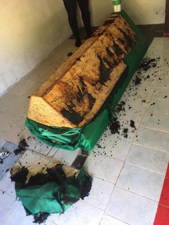 E rëndë në Tepelenë: Tentojnë të djegin tyrbenë dhe mezarin e Baba Jonuz Gjiririt