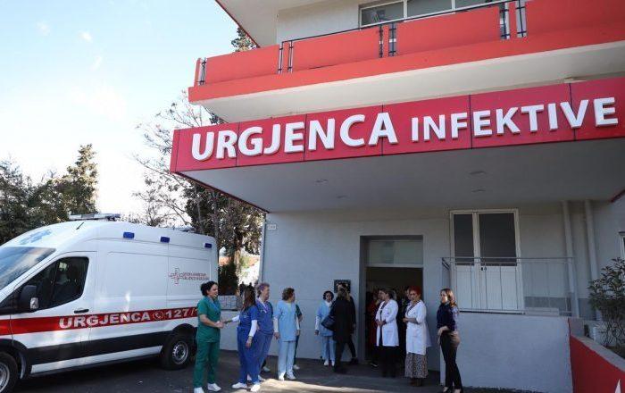 Lajmi i fundit: Shënohet viktima e 22-të nga COVID-19 në Shqipëri