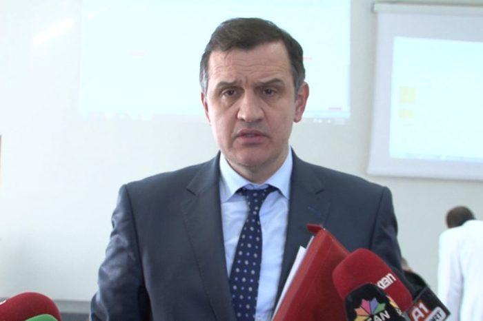 """""""Nuk kishim ku t'i çonim lekët!"""", Të moshuarit letër ironizuese ministrit Beqaj pasi propozoi të ulë pensionet"""