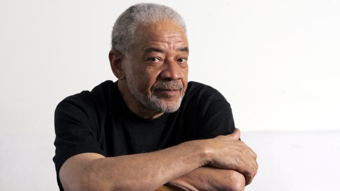 Probleme me zemrën, këngëtari i famshëm ndërron jetë në moshën 81-vjeçare
