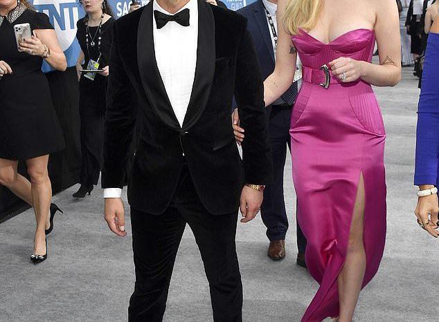 Së shpejti nënë! Sophie Turner edhe sikur të dojë, nuk e fsheh më barkun e rrumbullakosur (FOTO)