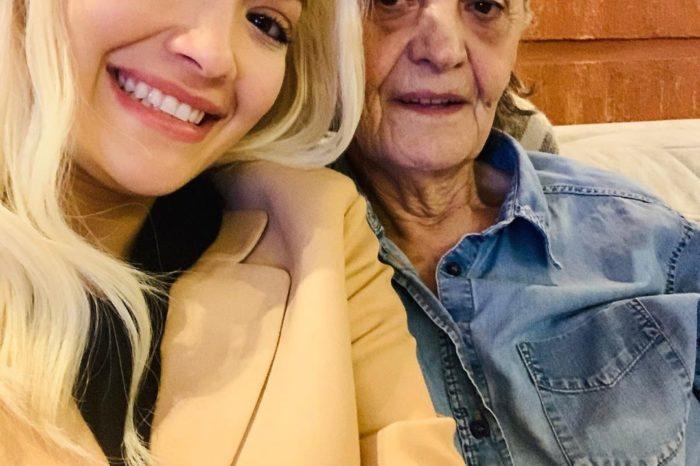 Lamtumira e fundit: Rita Ora na copëtoi zemrat me fjalët drejtuar gjyshes së ndjerë