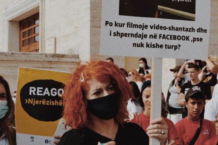 """""""Për fëmijërinë e vjedhur"""", pas Tiranës nis edhe në Korçë protesta paqësore kundër abuzimeve seksuale"""