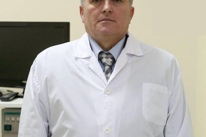 Kolegu tha se vdiq nga Covid-19, reagon ministria e Shëndetësisë: Mjeku Arjan Pushi nuk ka ndërruar jetë