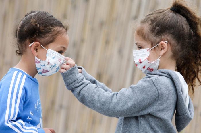 Mjeku Mezini: Maska në rrugë nuk të mbron, ja pse janë rritur infektimet këto ditë