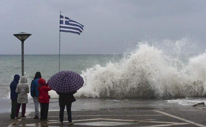Stuhi dhe shtrëngata, meteorologu grek jep alarmin: Kulmi në ditën e shtunë, ja çfarë e pret Shqipërinë (DETAJE)