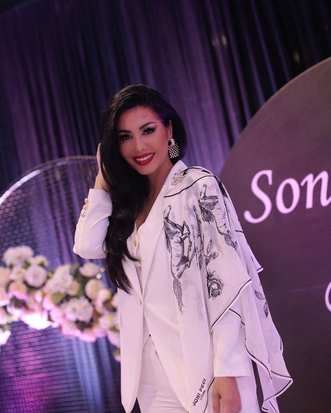 Pranë partnerit të zemrës dhe miqve, Soni Malaj ndan pamjet e papublikuara nga festa e saj e ditëlindjes!