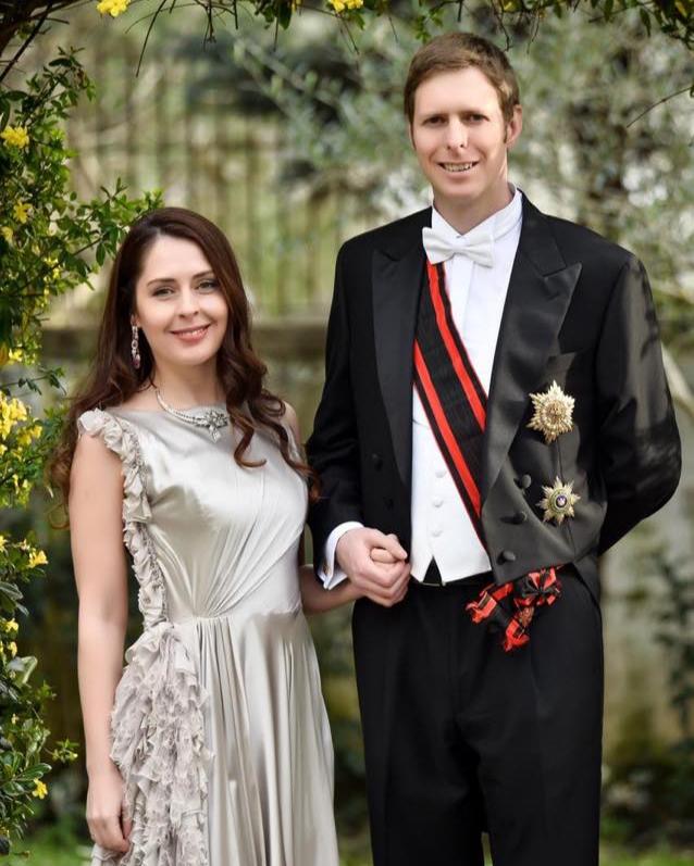 U bënë prindër, Princ Leka dhe Elia fotografohen për herë të parë pas lindjes së vajzës