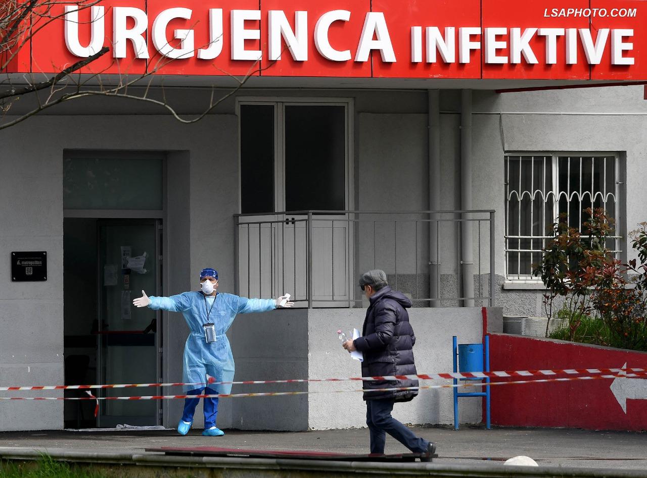 Sërish shifra të larta! 6 persona humbin jetën, më shumë se 300 të infektuar me COVID-19 brenda 24 orëve të fundit në vend