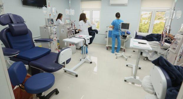 Alarm në QSUT/ Infektohet personeli i Hemodializës: COVID ka rrezik të përhapet te…