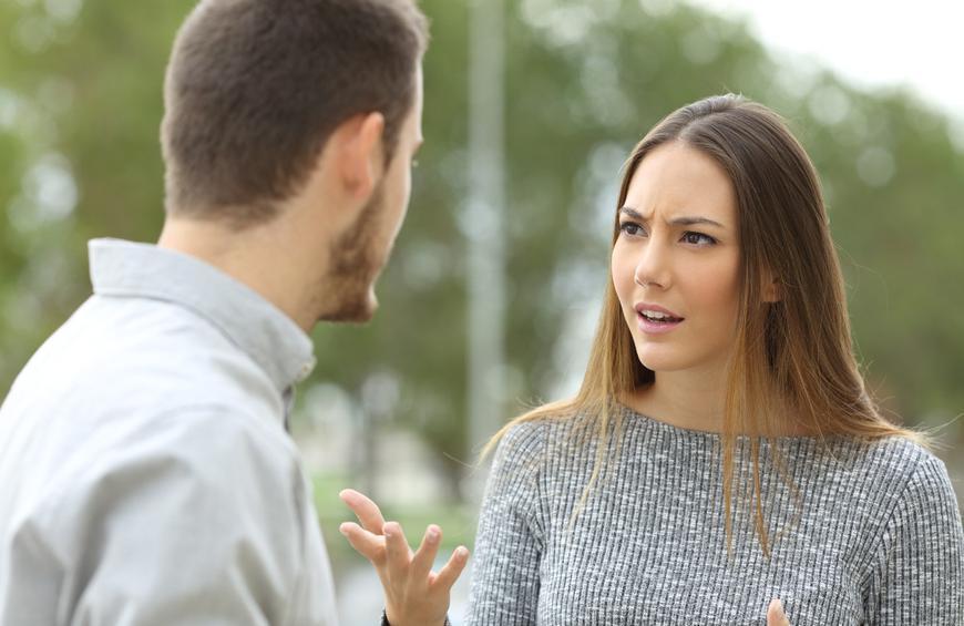 Nëse nuk doni ta ofendoni një person, nuk duhet t'i drejtoni kurrë këto pyetje!