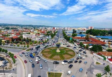 """Java nis me trafik të rënduar! Mbyllja e sheshit """"Shqiponja"""", fut Tiranën në kaos!"""